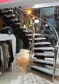 آذر استپ طراح و مجری پله گرد و پله پیچ