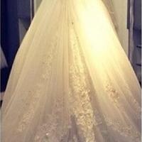اجاره لباس عروس قیمت مناسب با دوخت تضمینی مزون گل یخ