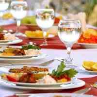 تامین کلیه محصولات و مواد اولیه مورد نیاز رستورانها ، فست فود ها