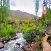 راه پیمایی در دره زیبای روستای حسنجون در طالقان
