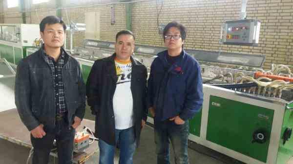 مترجم زبان چینی و انگلیسی  آماده همکاری با کارخانجات