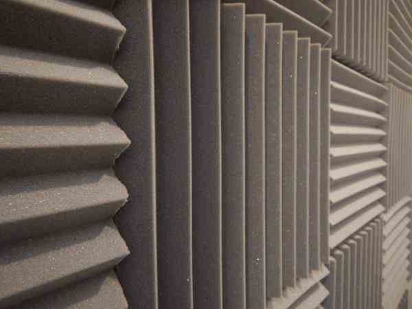 تولیدکننده انواع پنل های اکوستیک و عایق صدا مخصوص ماینر و استودیو
