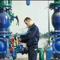 نگهداری و تعمیر تجهیزات برق و تاسیسات ساختمان