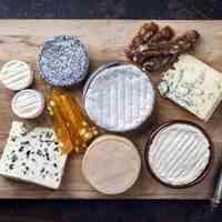 مشاوره در زمینه ارایه فرمولاسیونهای محصولات لبنی از جمله پنیر پیتزا.پنیر وی لس.انواع ماست و دوغ و......