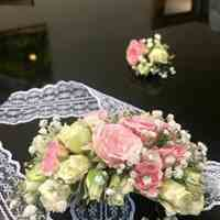 دسته گل عروس و ماشین عروس