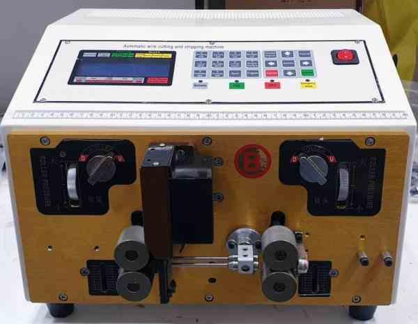 دستگاه سیم چین(سیم لخت کن) یا غلاف بردار اتوماتیک